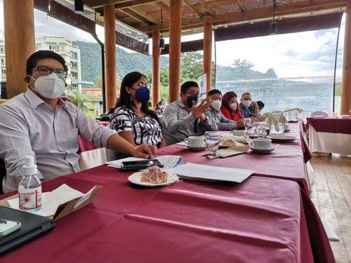 En el Marco del Eje de Agua y Saneamiento de la CODESAN y CODESAL en coordinación con el Programa Ruk'u'x Ya', se desarrolló el taller de análisis de normativa y procedimientos para desarrollar la ruta para la mejora de la gestión en agua y saneamiento del la cuenca del lago Atitlán.