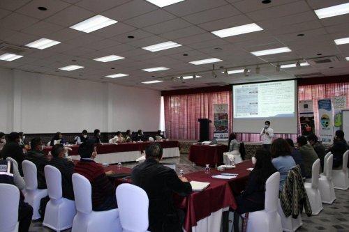 Alcaldes participan en diálogo para mejorar la gestión del agua y saneamiento en la cuenca del lago Atitlán
