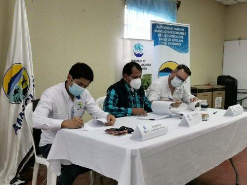 AMSCLAE, MAGA y la Organización Plantemos suscriben firma de convenio en beneficio de la conservación de la cuenca del lago de Atitlán